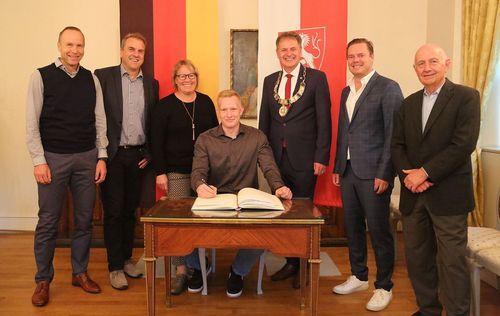 Stadt Schwäbisch Gmünd ehrt Eric Maihöfer von der LG Staufen